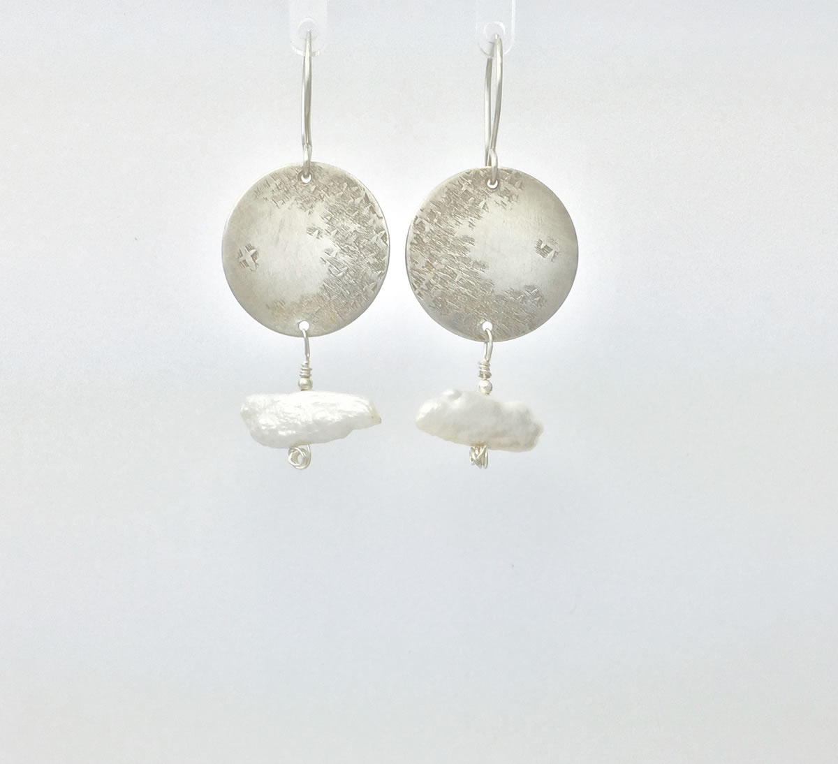 0023 - Silver handmade earrings hammered pearl biwa stick serenity Kathleen Barris Jewelry